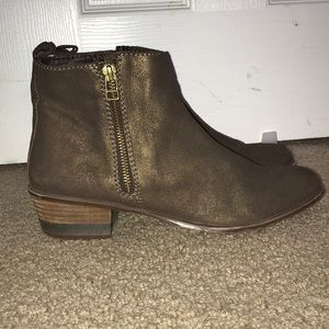 Steven by Steve Madden booties / Old Gold size 10